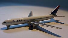 Herpa Wings 470223 Delta Airlines Boeing 767 - 300 1:600 Scale (PL)