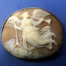 STUNNING ANTIQUE SILVER GILT CARVED SHELL CAMEO BROOCH ANGEL WITH INSTRUMENTS