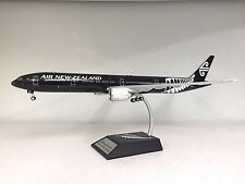 Boeing 777-300ER Air New Zealand ZK-OKQ a metal model in 1/200 scale Inflight200
