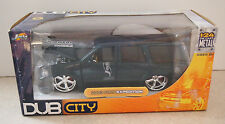 JADA DUB CITY 2003 CHEVY FORD EXPEDITION 1:24 SCALE