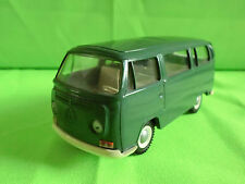 CURSOR 1:40  VW VOLKSWAGEN   VW BUS - VINTAGE  GREEN    IN NEAR  MINT CONDITION