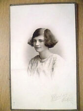 PHOTOGRAPH- VINTAGE PHOTOGRAPH OF A YOUNG LADY