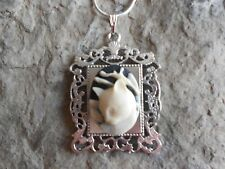 GORGEOUS CAT CAMEO NECKLACE PENDANT (WHITE/BLACK) 925 PLATE CHAIN- QUALITY!!!