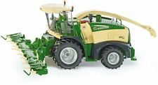 SIKU 4066 - CROWN BIG X 580 FORAGE HARVESTER, SCALE 1:32, NIP