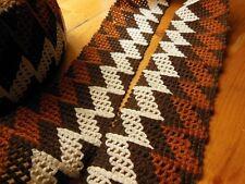 Trés large galon vintage effet crochet ton marron blanc au métre sur 7,7 cm