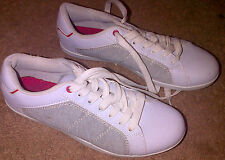 F & F SIZE 8 WHITE WITH GREY PAIR OF MENS TRAINERS, PUMPS SPORT