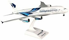 Skymarks SKR693 Malaysia Airlines Airbus A380 Desk Display Model 1/200 Airplane