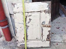 Superbe petite porte de placard ancienne sans huisserie. Chêne. Loquet fer forgé