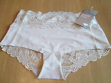 Marks & Spencer nude lace bandeau high rise shorts with stretch knickers size 8