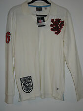New Umbro Mens Long Sleeve White England Soccer #6 Graphic Tee Size XS Cotton