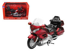 2010 HONDA GOLD WING BURGUNDY 1/12 MOTORCYCLE BY NEW RAY 57253A