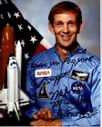 MICHAEL MIKE MCCULLEY Signed Autographed NASA ASTRONAUT Photo