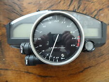 YAMAHA R1 5VY 2005 CLOCKS SHOWING 10,975 MILES REV COUNTER SPEEDO INSTRUMENTS