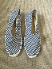 Striped Deena Ozzy Boat/beach Shoes Navy & White BNWOT Size 6