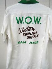 VINTAGE 60'S RAYON GABARDINE WHITE/GREEN EMBROIDERED MEN'S BOWLING SHIRT SZ MED