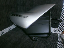 YAMAHA YBR125 YBR 125 2003 SIDE PANEL SEAT PANEL COVER RH side