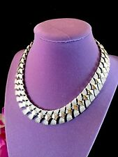STRIKING CORO SILVER-TONE TEXTURED FINISH EGYPTIAN REVIVAL COLLAR NECKLACE