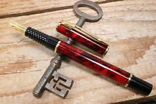 Waterman Laureat Fountain Pen In Red Marble With Gold Plated Trims C1992