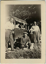 PHOTO ANCIENNE - VINTAGE SNAPSHOT - GROUPE CAMIONNETTE CAMION MODE - TRUCK
