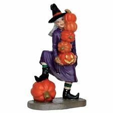 LEMAX SPOOKY TOWN HALLOWEEN VILLAGE HOUSE - WITCH HOLDING PUMPKINS #62426