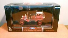 ROAD Signature 1914 Ford Model T Fire Engine  1:18 scale ( NIB )