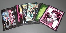 UN LOTE DE 19 CROMOS  MONSTER HIGH 2012 -PANINI