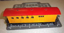 HO VINTAGE MANTUA Tyco Model Train Car Yellow w Red roof, great condition