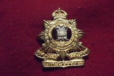 WW II/Pre WW II Canadian Cap Badge To The Royal  Regiment Of Canada