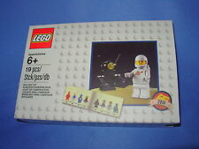 LEGO VIP Exclusive 5002812 - Classic Spaceman Minifigure - New & Factory Sealed