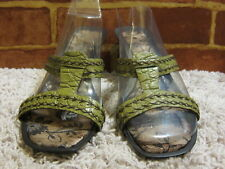 Nine West Green Croc look Leather Sandals with Stacked Heel sz 8M  1226