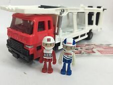 JAPAN TOMY TOMICA TRANSPORTER CAR CARRIER TRUCK WITH FIGURES RARE