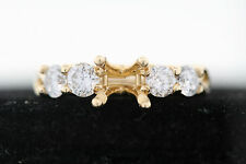 18k Yellow Gold .75ct Round Diamond Semi-Mount Ring (G, I1) Size 6.5