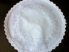 Embroidery freestyleTable Centre to Embroider Garden path flowers circle CSOO98