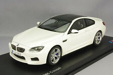 Model Car; 2012 BMW M6 Coupe  (F12) White  1:18 scale  80432218739