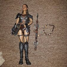 "Hot Toys, She Predator Machiko, 1/6 Scale, 12"" Action Figure, Loose, Damaged"