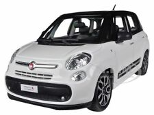 FIAT 500L WHITE 1/24 DIECAST MODEL CAR BY BBURAGO 22126