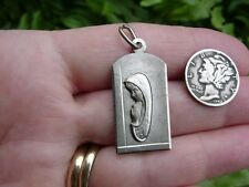Vintage 800 silver - COMMUNION PRAYING GIRL (?) Mary (?) - pendant medal - 713VI