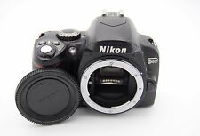 Nikon D40 6.1 MP Digital SLR Camera Body - Shutter Count: 950