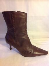 Essence Brown Ankle Leather Boots Size 7