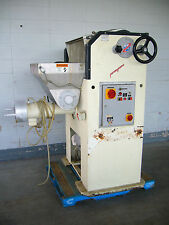 La Parmigiana - Pasta Extruder with Mixer and Cutter. Includes 5 dies.