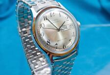 VINTAGE 1980 TIMEX MENS ATTRACTIVE DAY/DATE AUTOMATIC WATCH