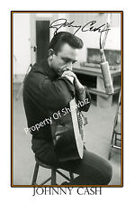 JOHNNY CASH AUTOGRAPH SIGNED  POSTER - GREAT PIECE OF MEMORABILIA