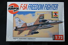 XL024 AIRFIX 1/72 maquette avion 01043 F-5A Freedom fighter 1988