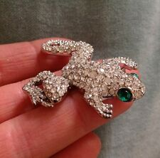 VTG SIGNED E. PEARL RHINESTONE FROG PIN BROOCH WITH BIG GREEN GLASS EYES