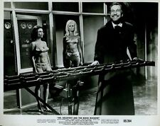 "Vincent Price Dr Goldfoot And The Bikini Machine Original 8x10"" Photo #M339"