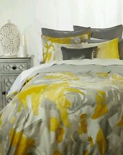 KENNETH COLE SWIRL 6PC,1 Queen DUVET, Queen COVERLET,2 STANDARD SHAMS, 2 THROWS.