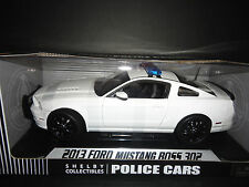 Shelby Collectibles Ford Mustang Boss 302 2013 Police Plain White 1/18