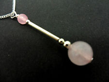 A LOVELY PINK JADE BEAD  PENDANT NECKLACE.  NEW.