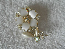 Brooch LOVELY FLOWER BROACH With Mixed Simulated Pearls Diamante Rhinestone