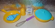 VINTAGE 80'S LITTLE TIKES PRETEND PLAY KITCHEN FUN TABLE FOOD DISHES POTS LOT